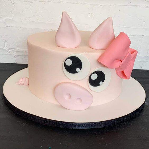 Ảnh bánh sinh nhật hình con lợn đánh yêu và siêu cute