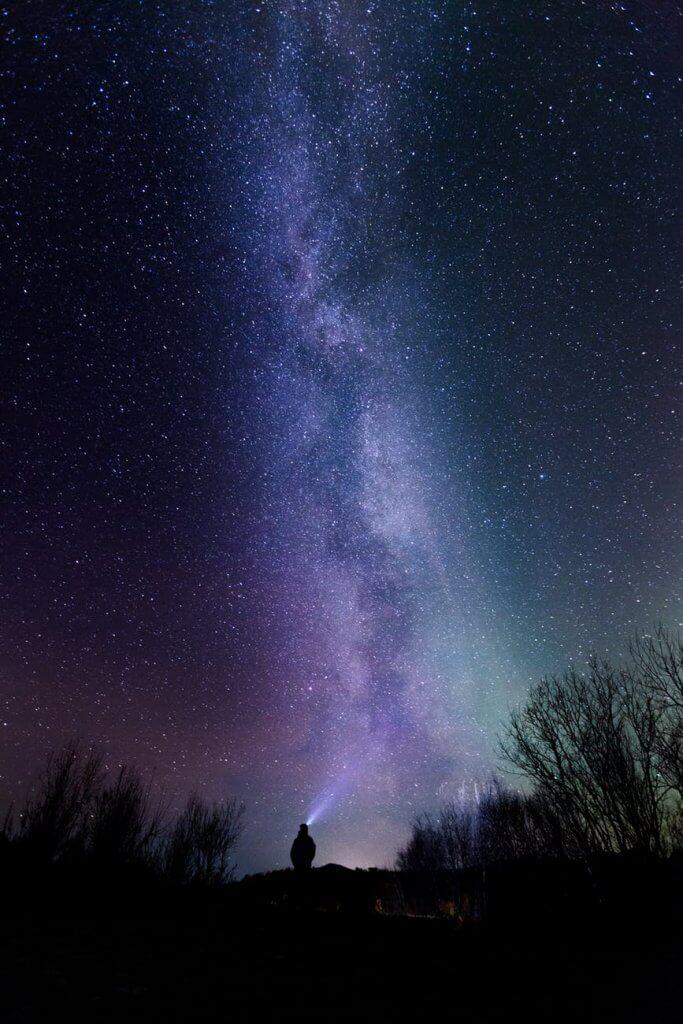 Hình nền đt đẹp với sắc trời tím mộng mơ