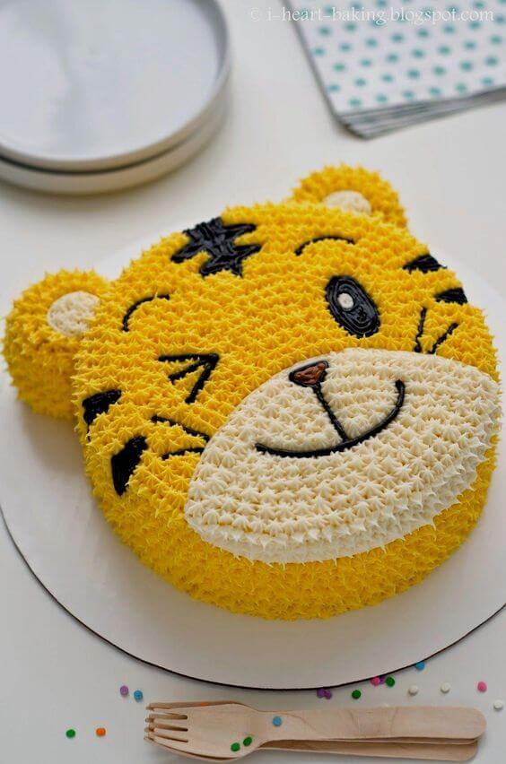 Bánh sinh nhật cho bé tuổi cọp đáng yêu
