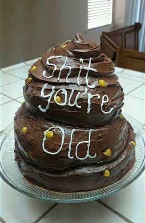 Hình bánh sinh nhật ngộ nghĩnh và hài hước cho bạn bè