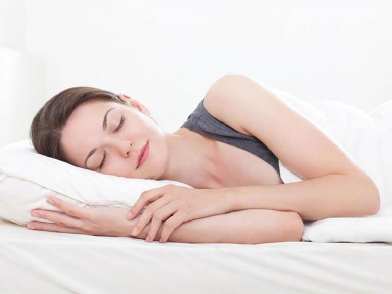 Ngủ đủ 8h là một trong các cách giảm cân hiệu quả