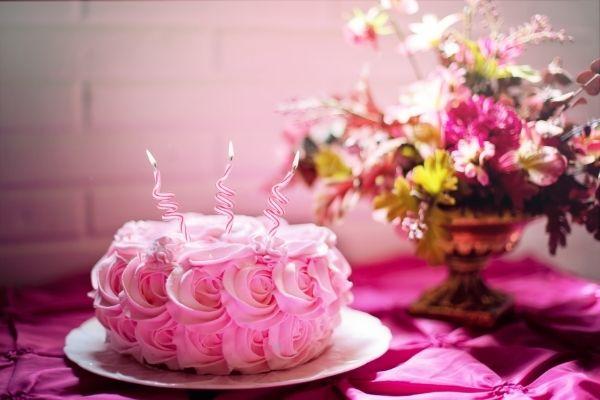 Hình ảnh chúc mừng sinh nhật bánh bèo
