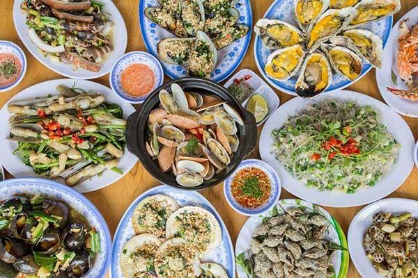 Top địa điểm ăn ốc quận 4 ngon và chất lượng trên đường Vĩnh Khánh