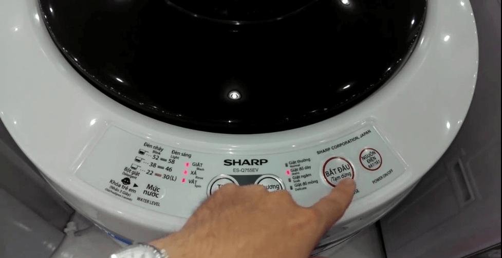 Máy giặt Sharp có thiết kế đẹp mắt, sang trọng, thanh lịch và tinh tế đến từng chi tiết